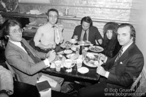 (L-R) Lawyer Howard Roy, John Lennon, lawyer Harold Seider, Yoko Ono and lawyer James Bergen eating dinner at Sloppy Louie's, NYC. January 30, 1976. © Bob Gruen / www.bobgruen.com  Please contact Bob Gruen's studio to purchase a print or license this photo. email: info@bobgruen.com